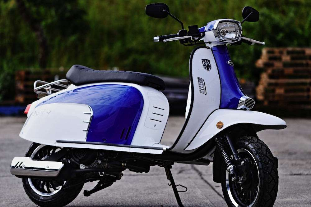 blue white gt125